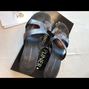 Donald J Pliner black sandals